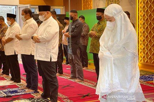 Puan laksanakan shalat Idul Fitri di rumah dinas Ketua DPR