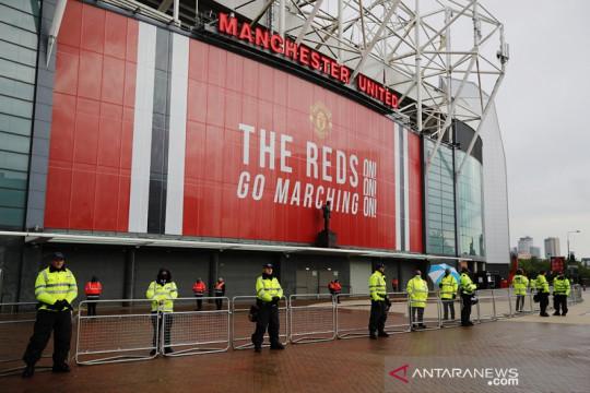 Jelang laga tunda kontra Liverpool, skuad MU tiba enam jam lebih awal