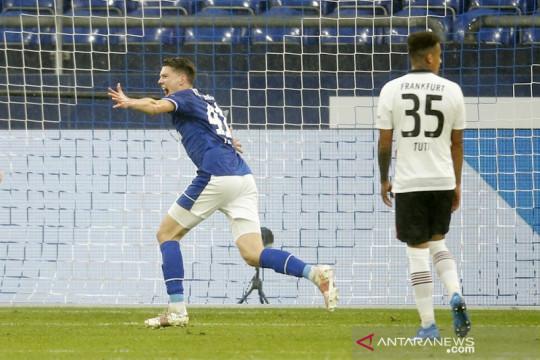 Schalke jegal kesempatan Frankfurt masuk empat besar