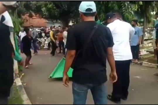 Perusak pagar TPU Utan Kayu diamankan polisi