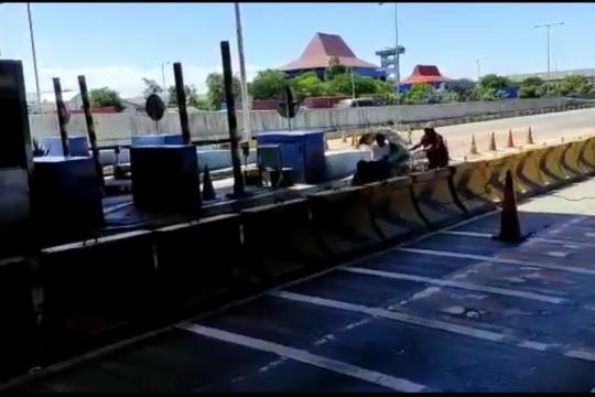 Becak perobos tol Surabaya-Gresik diberi sanksi teguran