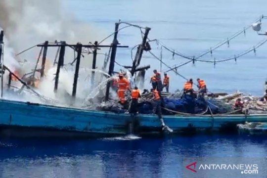 Kapal terbakar, TNI AL selamatkan 27 ABK KM Sinar Mas