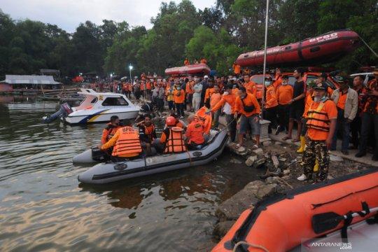 Berisi 20 orang, perahu wisatawan tenggelam di Waduk Kedung Ombo