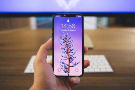 Apple cari chip lebih kecil untuk iPhone 13