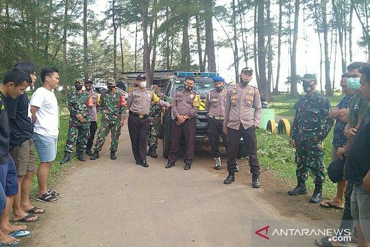 Polisi bubarkan pengunjung tempat wisata di Mukomuko