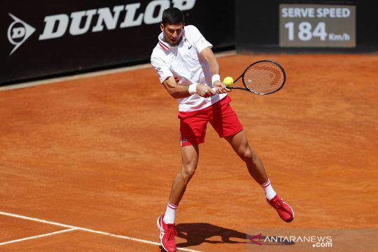 Kalahkan Tsitsipas, Novak Djokovic melaju ke semifinal Italia Terbuka