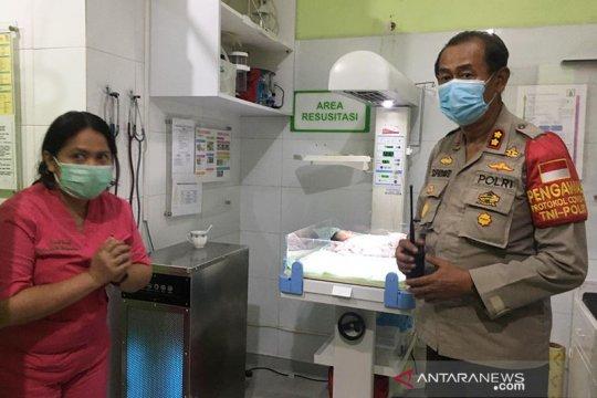 Kriminal kemarin, warga temukan bayi di kali hingga operasi penyekatan