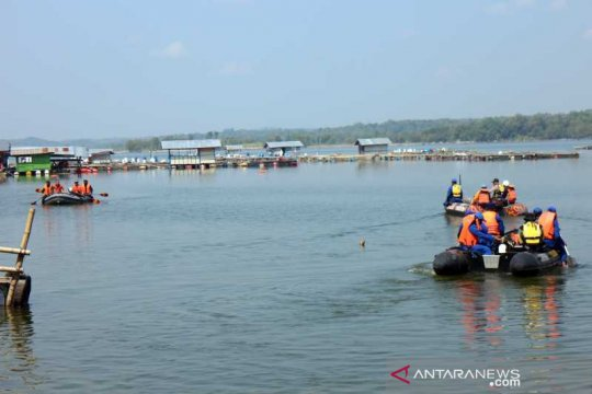 Angkutan perahu yang tenggelam di Kedung Ombo melebihi kapasitas