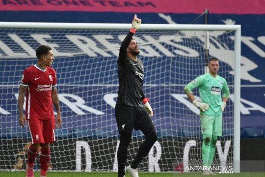 Alisson yakin mendiang ayahnya ikut merayakan golnya lawan West Brom
