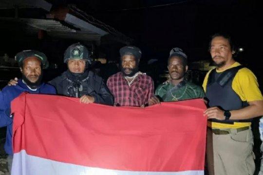 Empat personil TNI terluka saat dihadang KKB di Pegunungan Bintang