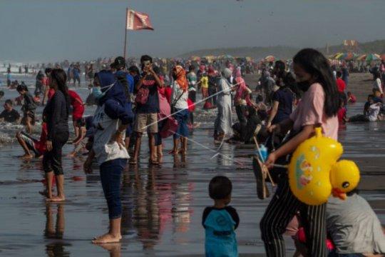 Ribuan wisatawan di DIY langgar prokes selama libur Lebaran