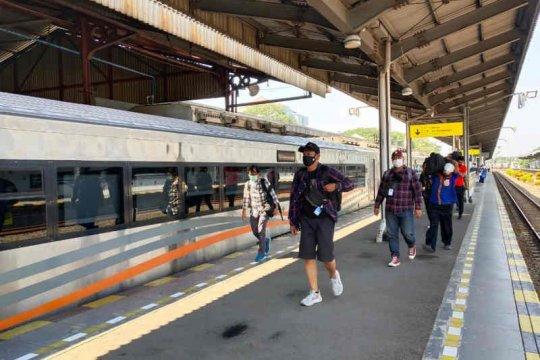 Mulai besok,  70 perjalanan KA jarak jauh layani penumpang Cirebon