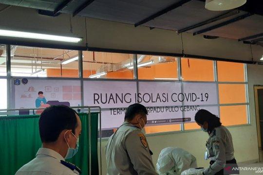 Dua penumpang di Terminal Pulogebang positif COVID-19