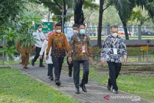 Bupati Bekasi dorong perusahaan ikut vaksinasi gotong royong