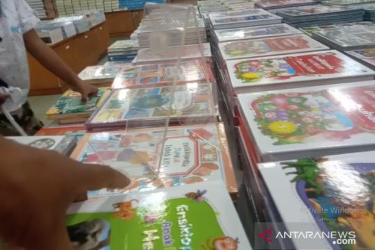 Picu minat baca, Jayawijaya-Papua tambah 3.000 buku di perpustakaan