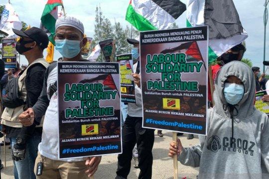 Aksi Buruh Bekasi minta serangan Israel ke Palestina dihentikan