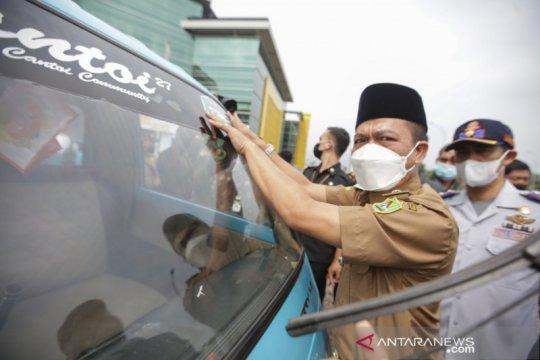 105 angkot dikerahkan untuk antar lansia jalani vaksinasi di Bandung