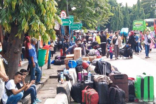 Semua terminal bus AKAP di DKI Jakarta sudah beroperasi normal