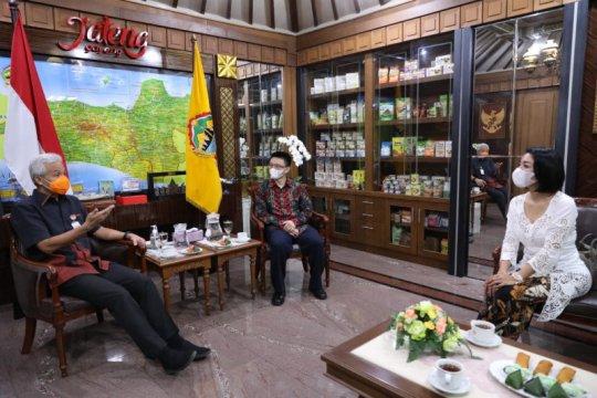 Ganjar ajak Shopee tingkatkan penjualan UMKM Jateng
