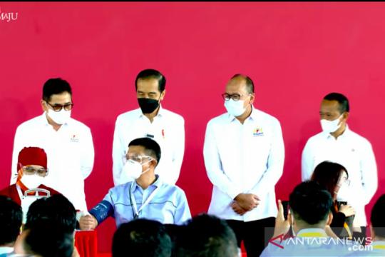 Jokowi harap industri lebih produktif setelah vaksinasi gotong royong