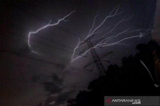 Hujan lebat guyur sejumlah daerah di Indonesia