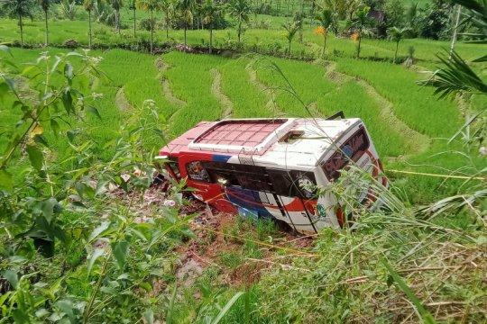 Ini daftar korban bus masuk jurang dari Polres Pasaman