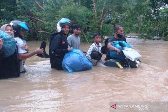 27 desa di sembilan kecamatan Pulau Simeulue Aceh terendam banjir