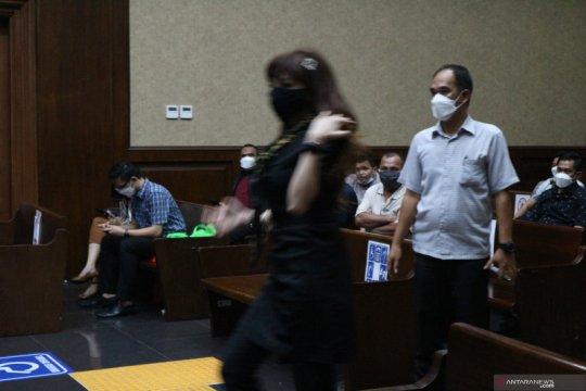 "Saksi sebut kirim 26 botol ""wine"" ke rumah dinas Edhy Prabowo"