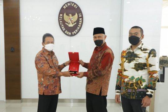 Menteri Trenggono dorong Pemprov Sumbar kembangkan budidaya udang