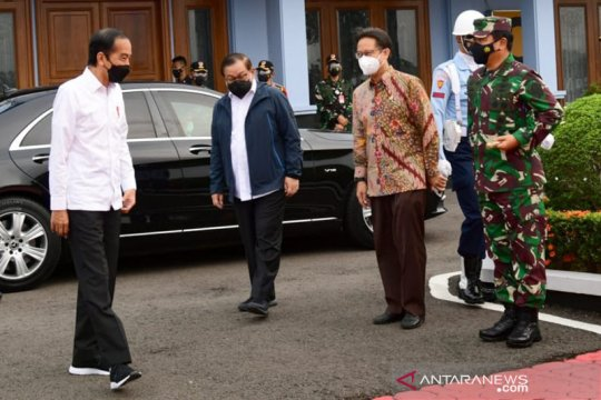 Presiden minta Menkes kirim lebih banyak vaksin COVID-19 ke Riau