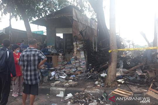 Kerugian kebakaran tujuh kios di Terminal Senen Rp70 juta