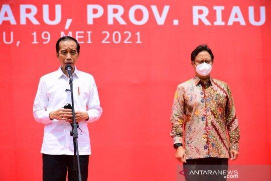 Jokowi perintahkan Menkes kirim lebih banyak vaksin ke Riau