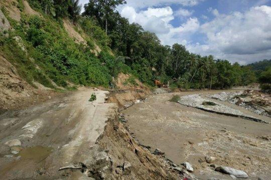 Jalur Trans Sulawesi di kawasan Kebun Kopi sudah kembali normal