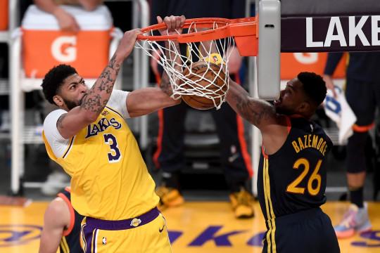 LeBron James bawa Lakers maju ke babak playoff Wilayah Barat