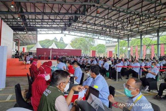 Program Vaksinasi Gotong Royong sudah mencakup 1.933 pekerja di Bekasi