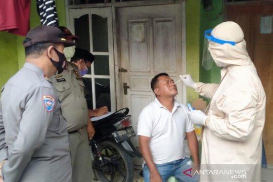 Satgas Bekasi datangi rumah pemudik untuk tes COVID-19