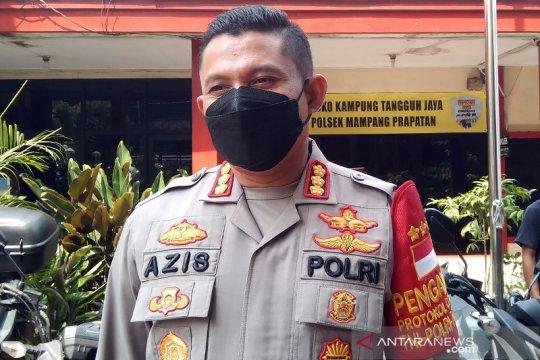Polisi salurkan 19 ton beras bagi warga yang sedang isolasi mandiri