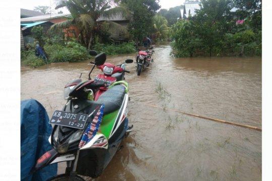 Banjir di jalan nasional Kalis-Putussibau merenggut korban jiwa