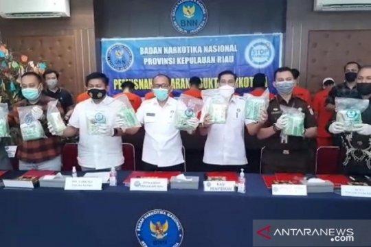 BNNP Kepri memusnahkan barang bukti 19,6 kg sabu-sabu