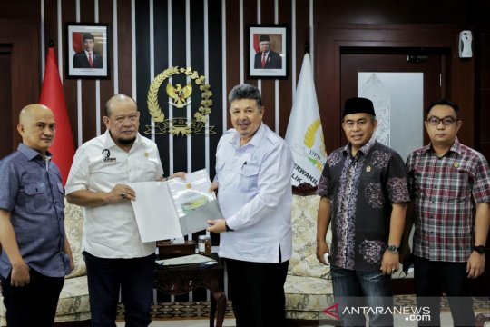 Ketua DPD dukung penuh pembangunan Stadion Marahadin Kota Solok