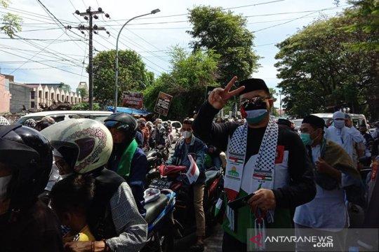 Aksi solidaritas dan galang donasi beli ambulance untuk Palestina