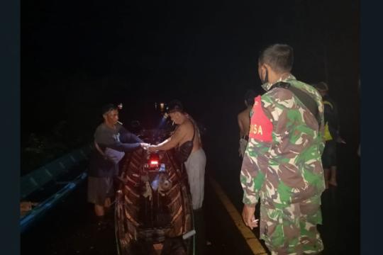 """Jalan nasional Kalis-Putussibau """"lumpuh"""" akibat banjir"""