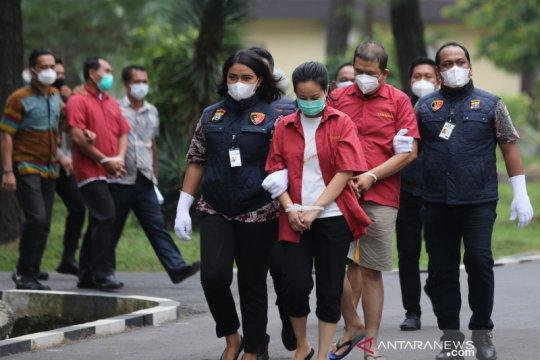 Kemarin, gratifikasi lebaran hingga ASN penjual vaksin ditangkap