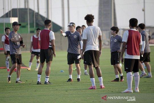 Enam pemain timnas latihan tambahan di Dubai