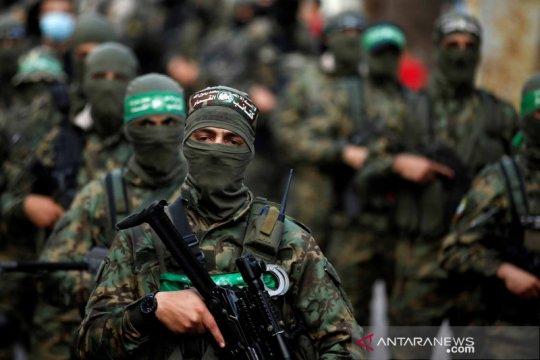 Militan Hamas Palestina ambil bagian di aksi unjuk rasa anti-Israel