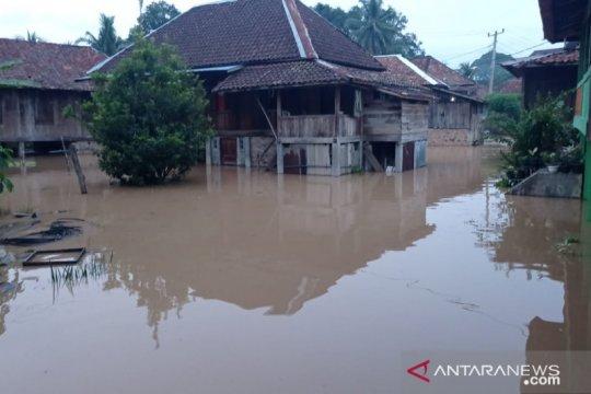 160 rumah warga di OKU terendam banjir