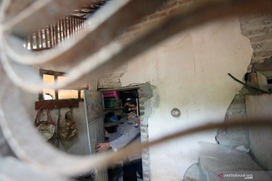 Kerusakan akibat gempa di Blitar