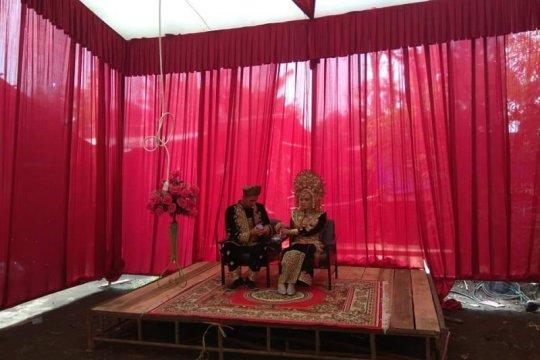 Penyedia jasa tak profesional, pengantin di Agam pesta tanpa pelaminan
