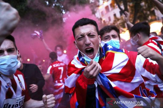 Suporter Atletico Madrid turun ke jalan rayakan gelar juara Liga Spanyol