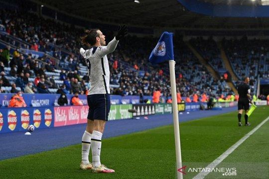 Tottenham bantu Chelsea tetap finis di empat besar
